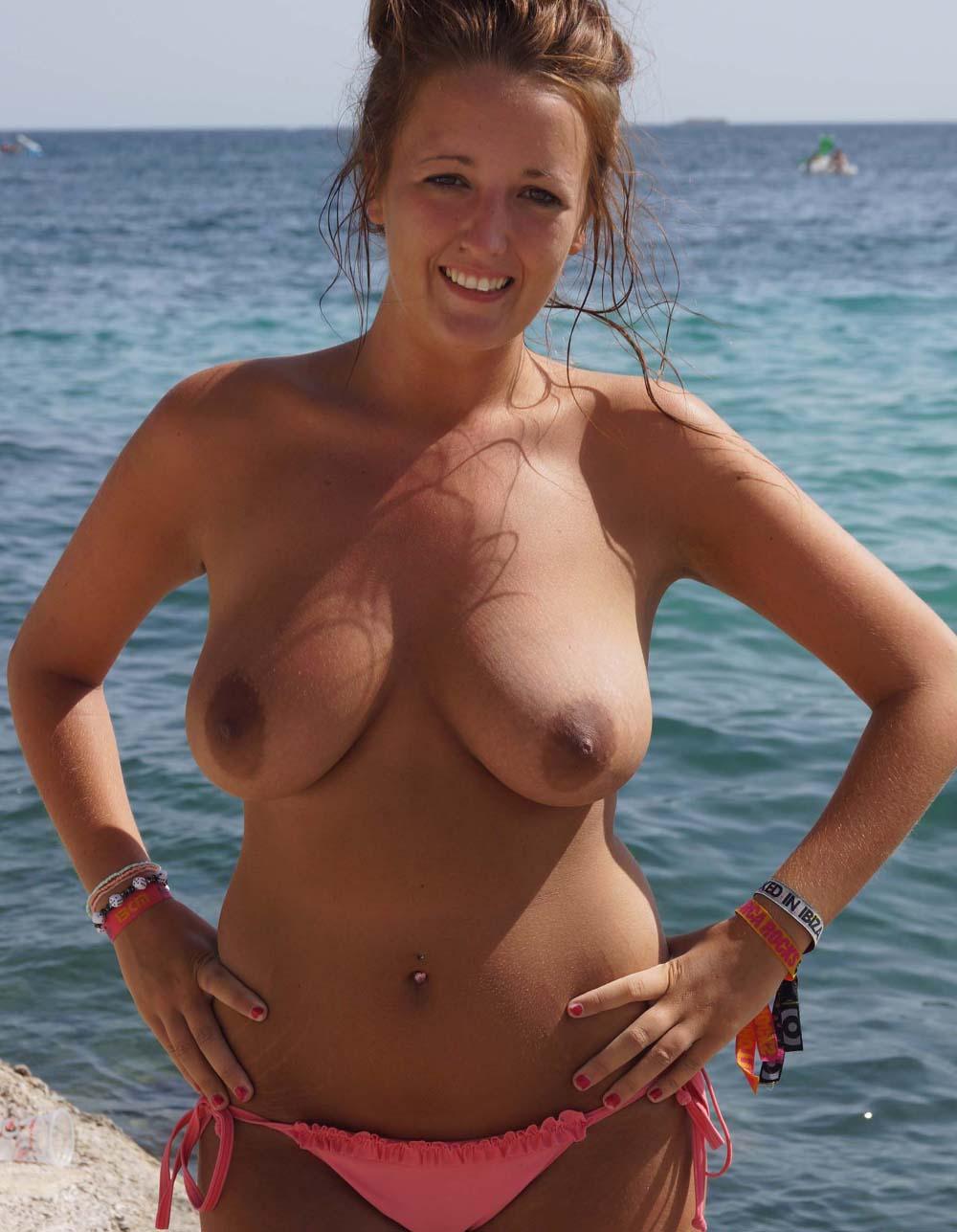 site de plan q fille nue plage