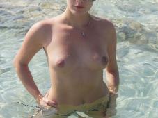 Blonde petits seins - Seins nus