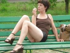 Assise sur un banc - Exhib amateur