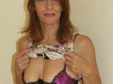 Salope mature en lingerie