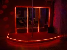 Barre de strip - Club libertin L'Eden