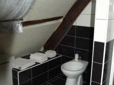 Cabinet de Toilette et serviettes - Club libertin L'Eden