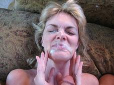 Éjaculation faciale - Mature salope
