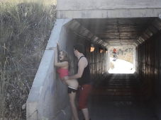 Baise sous un pont - Exhibition sexe