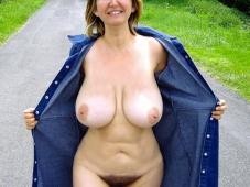Vieille gros seins - Exhibition sexe