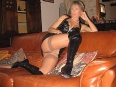 Femme mature en bas nylon