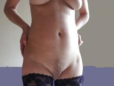 Femme mariée toute nue