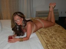 Femme mûre excitante - Photo Cougar