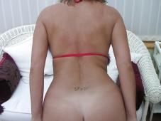 Enlève son string- Femme mûre sexy