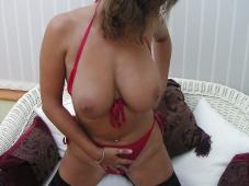 Belle et grosse poitrine- Femme mûre sexy