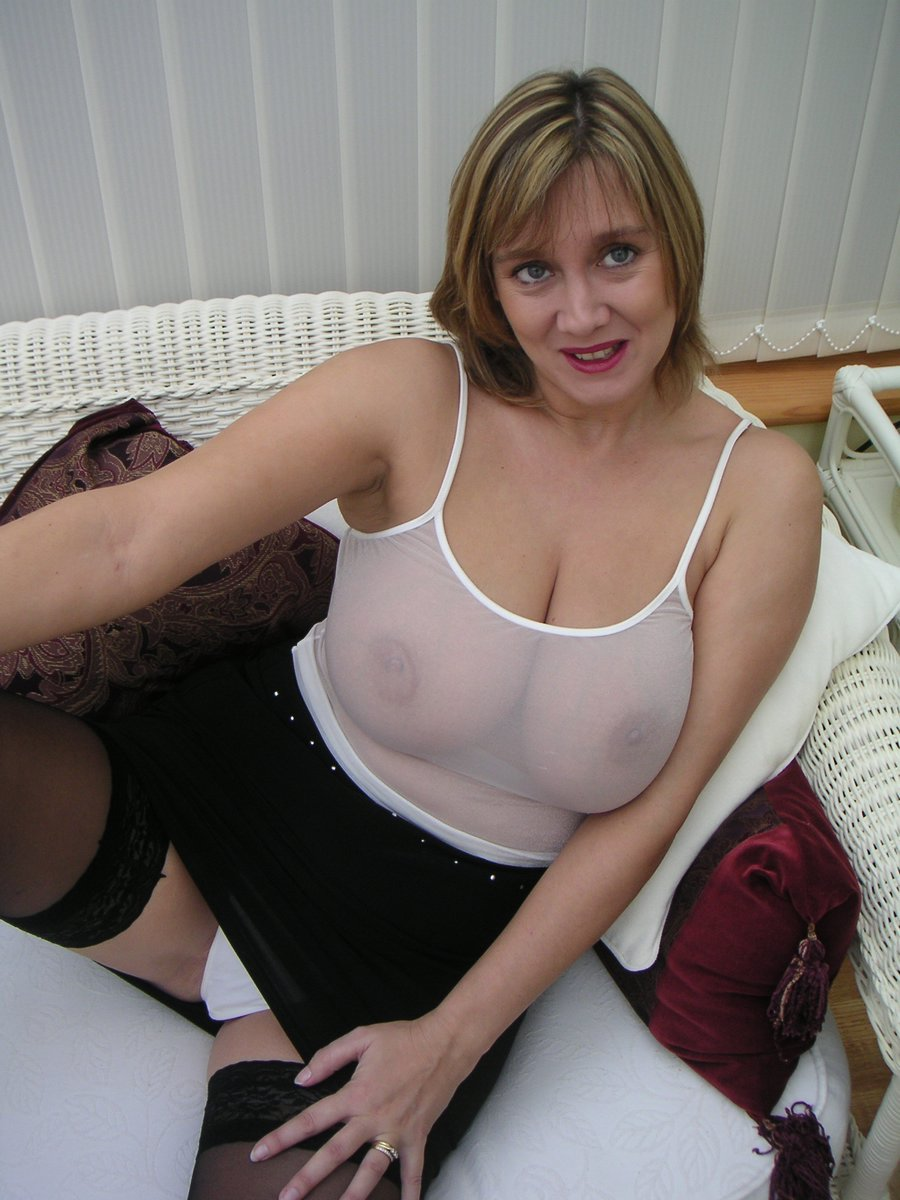 Plan busty wife is talked into a threesome - 1 7