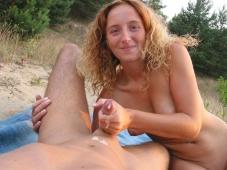 Sperme sur les mains - Fellation Plage
