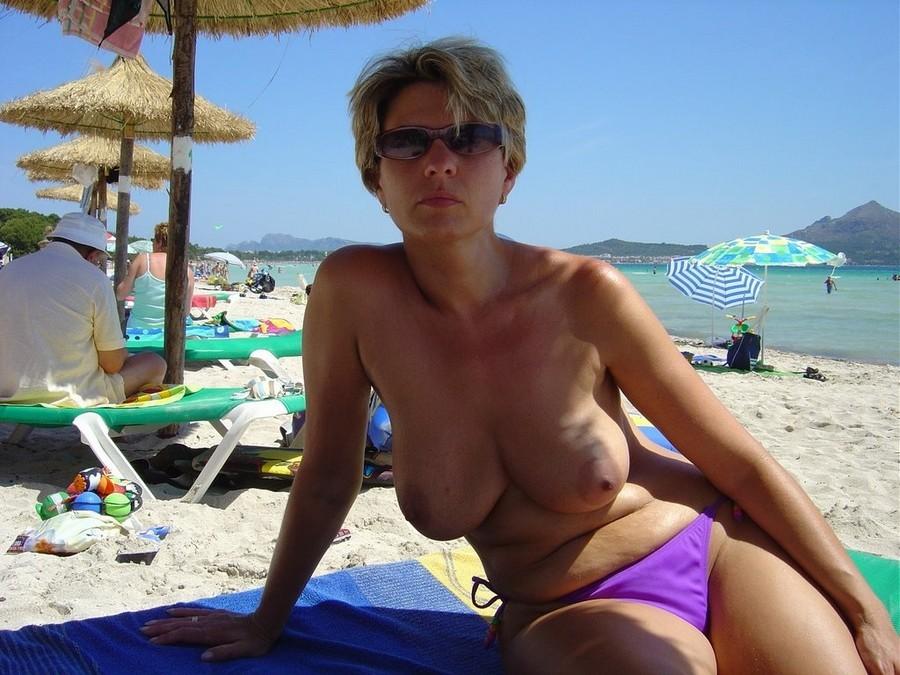 взял зрелые русские на пляже фото сиськи