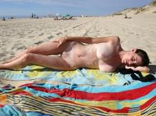 Mature - Femme nue Plage