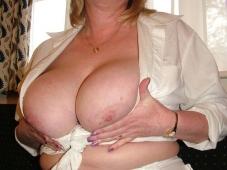 Paire de loches - Mature gros seins