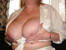 Mature gros seins naturels