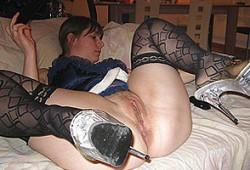 Salope sexy écarte les cuisses