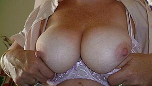 Gros seins femme libertine