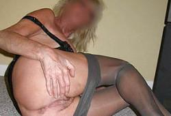 Femme libertine en bas nylon