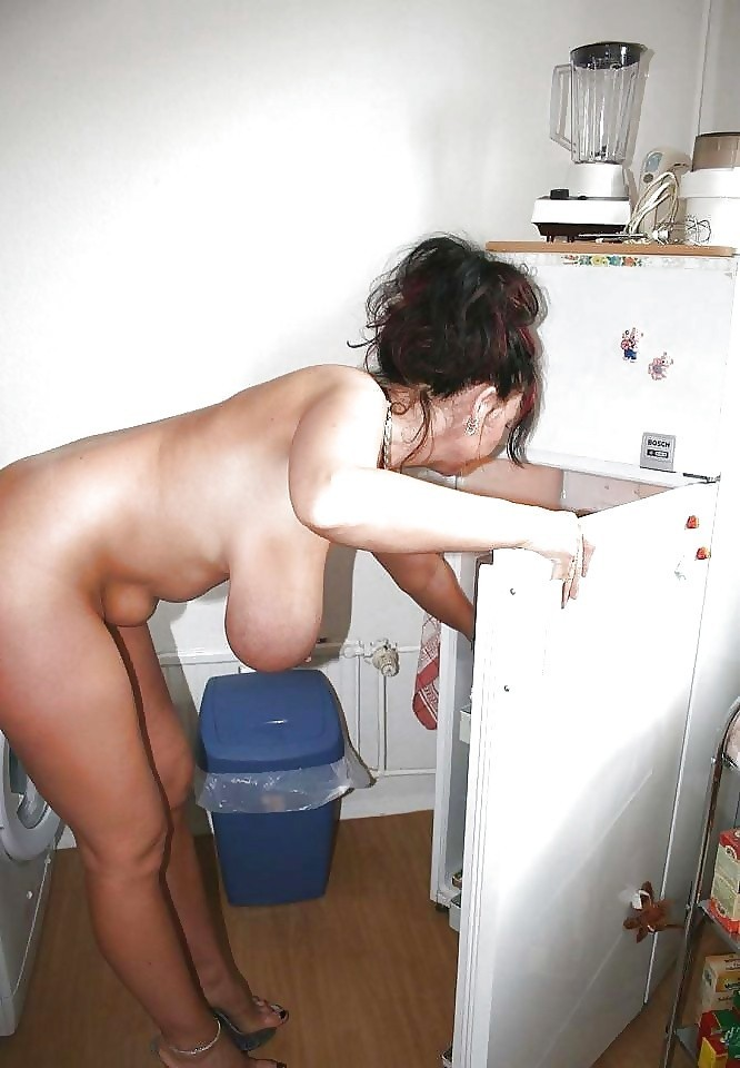 Ménagère à gros seins
