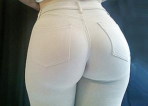 Beau cul en pantalon moulant - contribution sexy