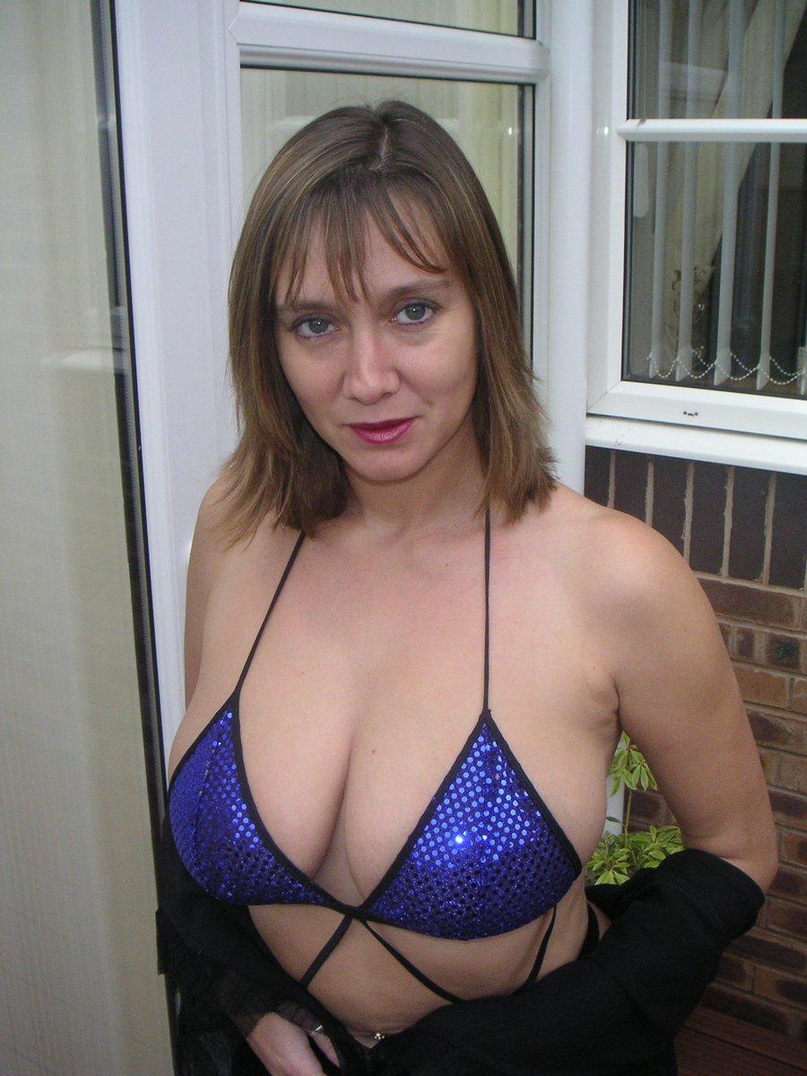 Grosse poitrine - Bikini sexy