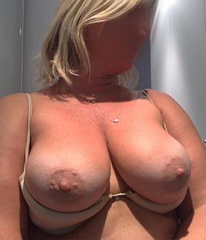 Grosse paire de seins à Lille