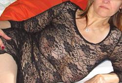 La grosse poitrine d'une Cougar libertine à Lyon