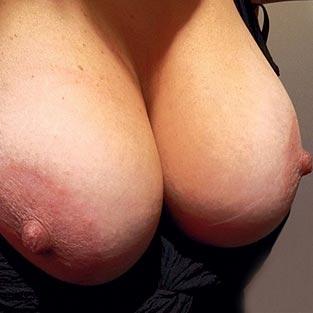 Grosse poitrine - Photos sexe amateur