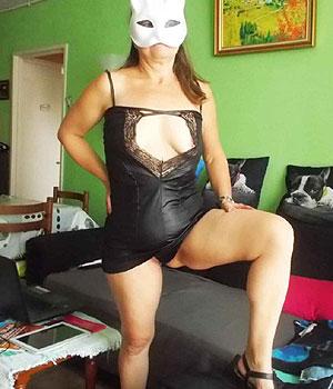 Femme libertine en robe sexy (Bordeaux, 33)