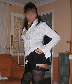 Femme cougar cherche un jeune homme à Nantes (44)