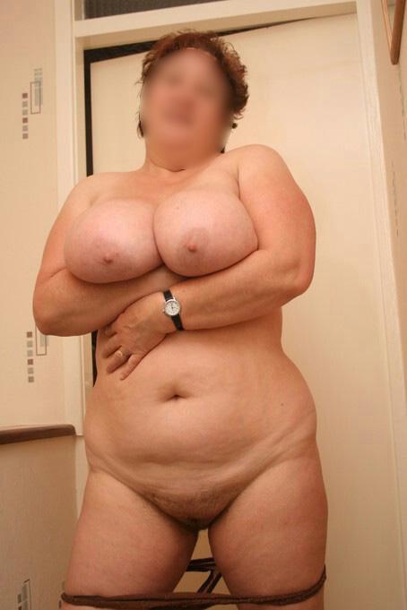 Femme de Lille se montre nue